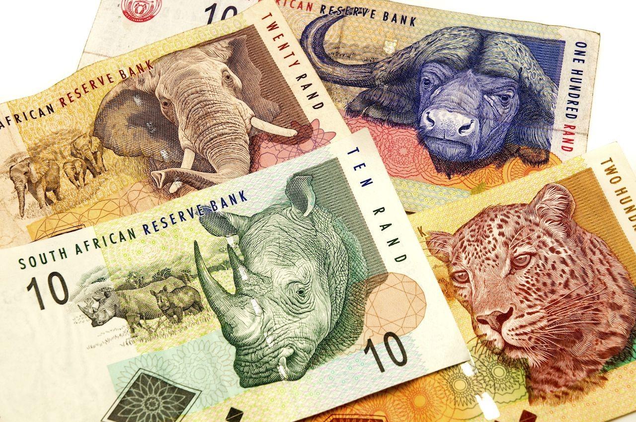 7 dintre cele mai tari valute din lume si povestea lor