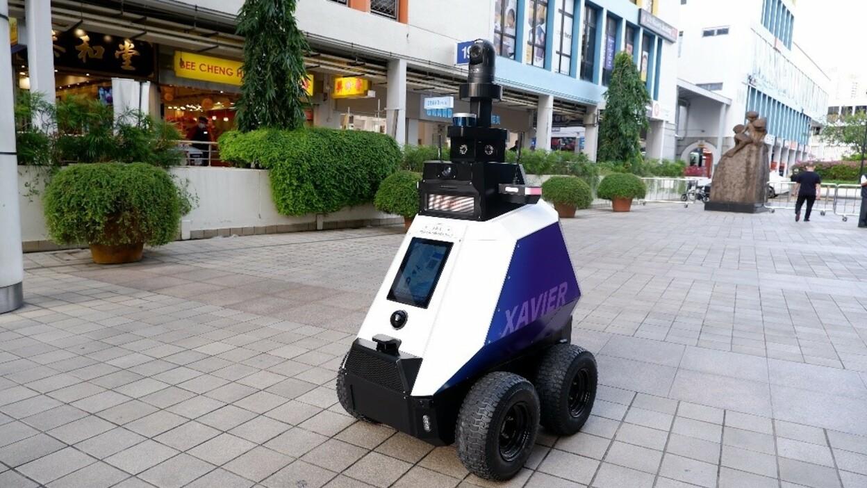 Singapore are roboți de patrulare acum!